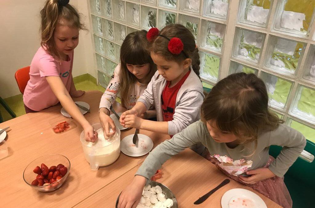 """Warsztaty kulinarne – """"Biało-czerwony deser"""""""